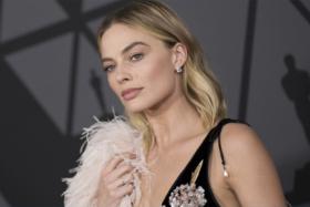 Margot Robbie James Bond