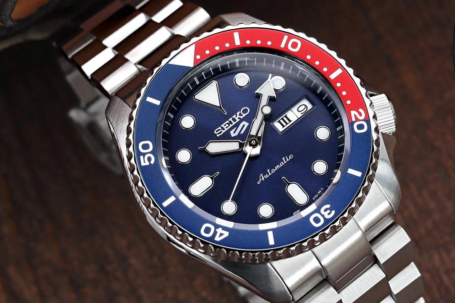 Seiko Automatics Pepsi bezel watch