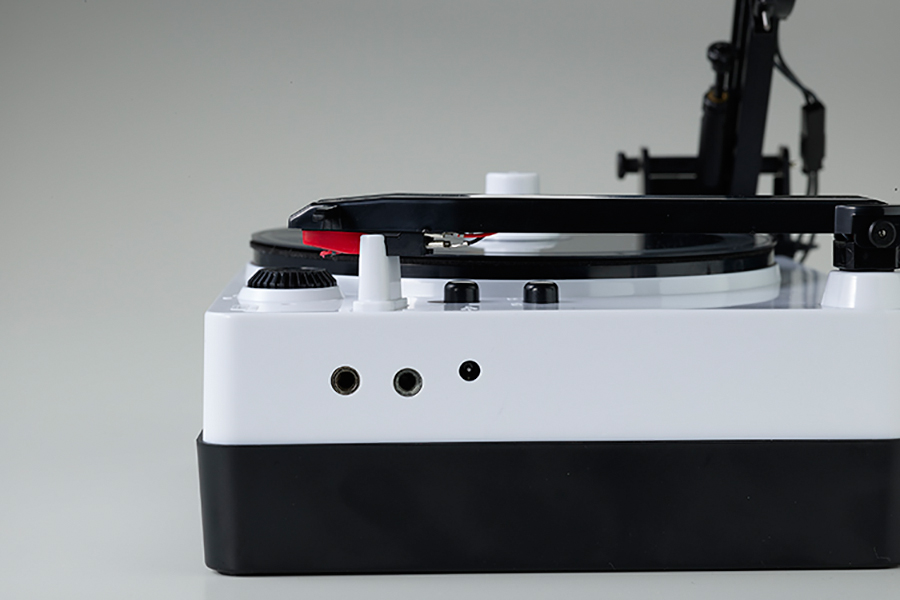 Gakken Easy Record Maker USB terminal for power supply and audio