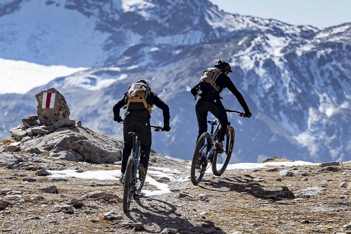 cycling jersey brand assos of switzerland