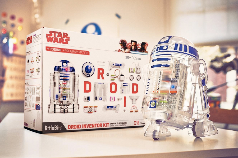 Star Wars Droid Inventor Kit box next to a transparent droid model