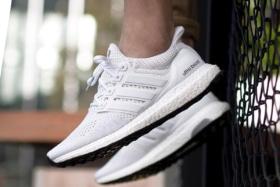 37 best white sneakers for men 3