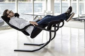 ergonomic zero gravity chair for relaxation