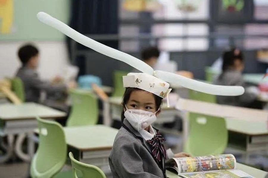 Feel-Good Friday - Chinese Kids' Social Distancing Hats 1