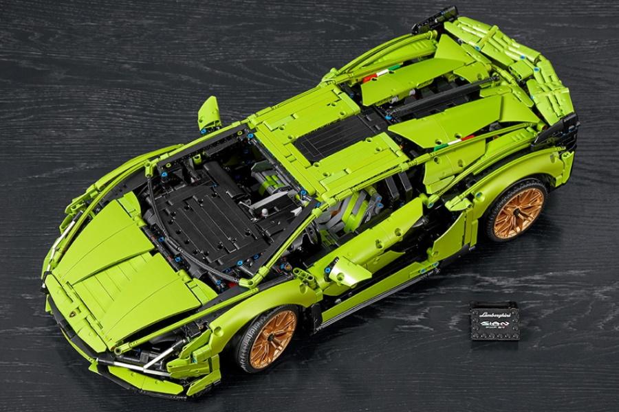 LEGO Technic Lamborghini sian model