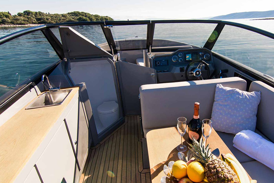 Rand Leisure 28 Electric Boat lounge area