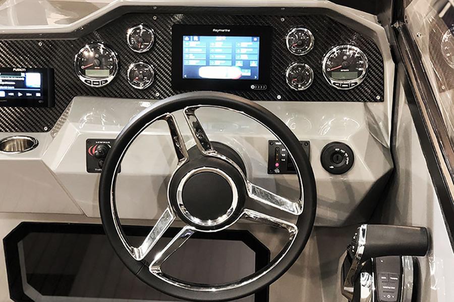 Rand Leisure 28 Electric Boat steering wheel