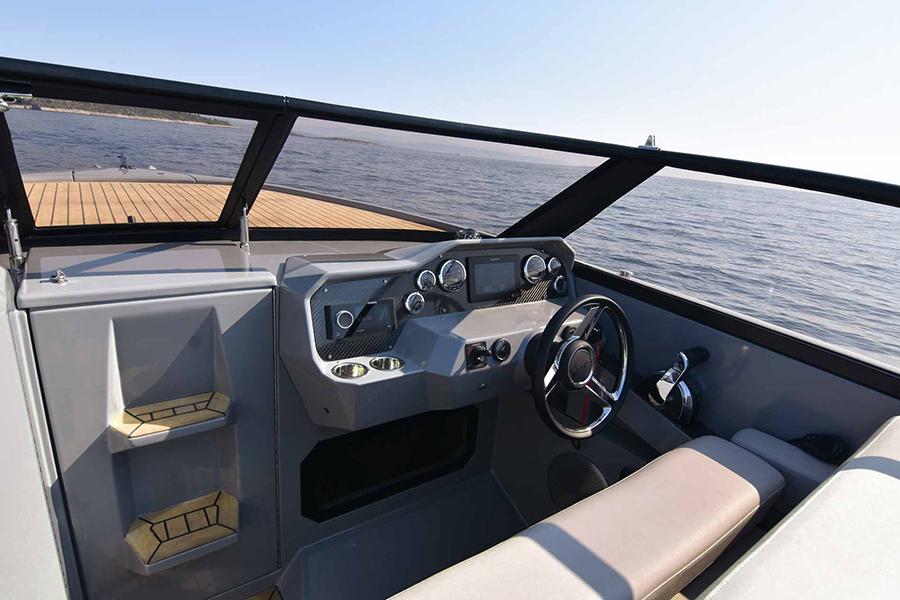 Rand Leisure 28 Electric Boat dashboard