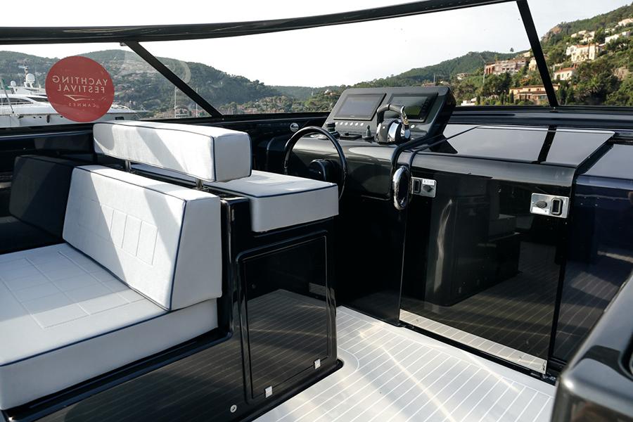 Van Dutch 40-2 steering wheel