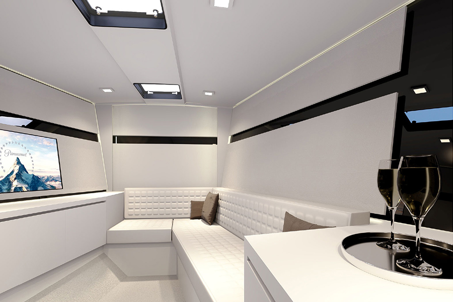 Van Dutch 40-2 entertainment room