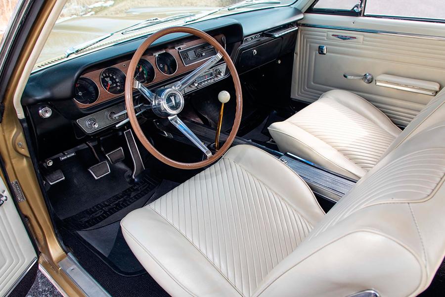 1965 Pontiac Hurst GeeTo Tiger dashboard
