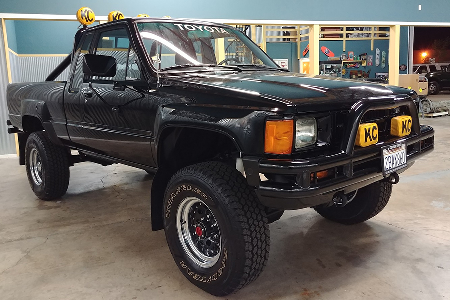1985 Toyota 4X4 Back to the future pickup side view