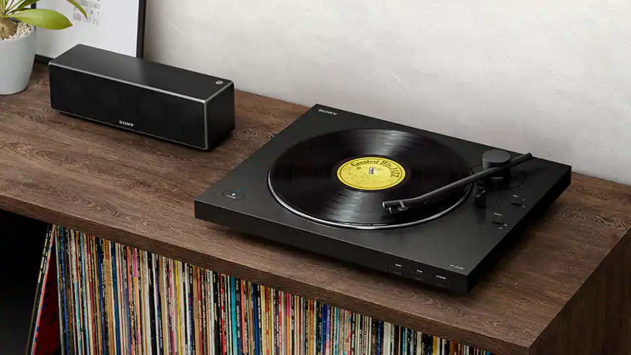 18 Best Record Players And Turntables For Vinyl Lovers Man Of Many