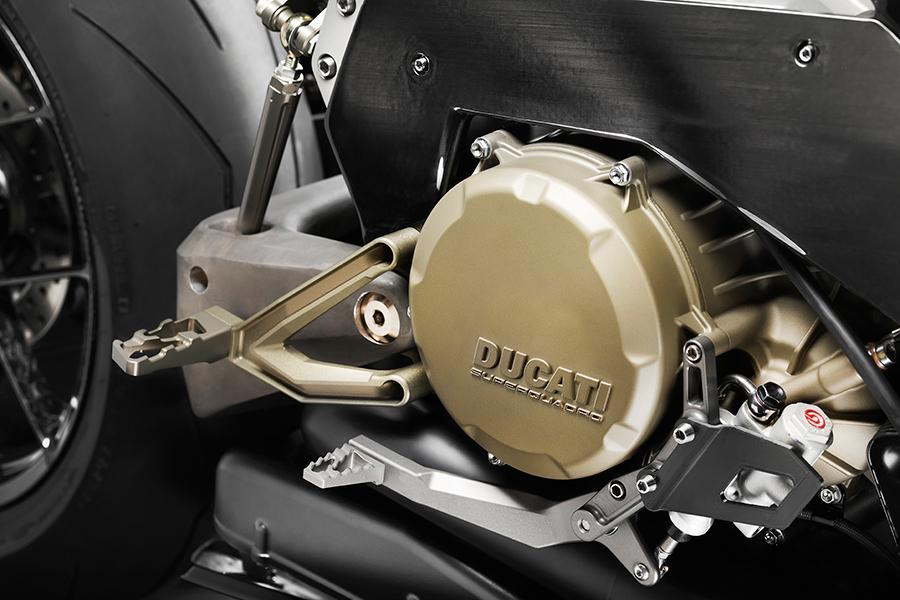 Vyrus Alyen engine