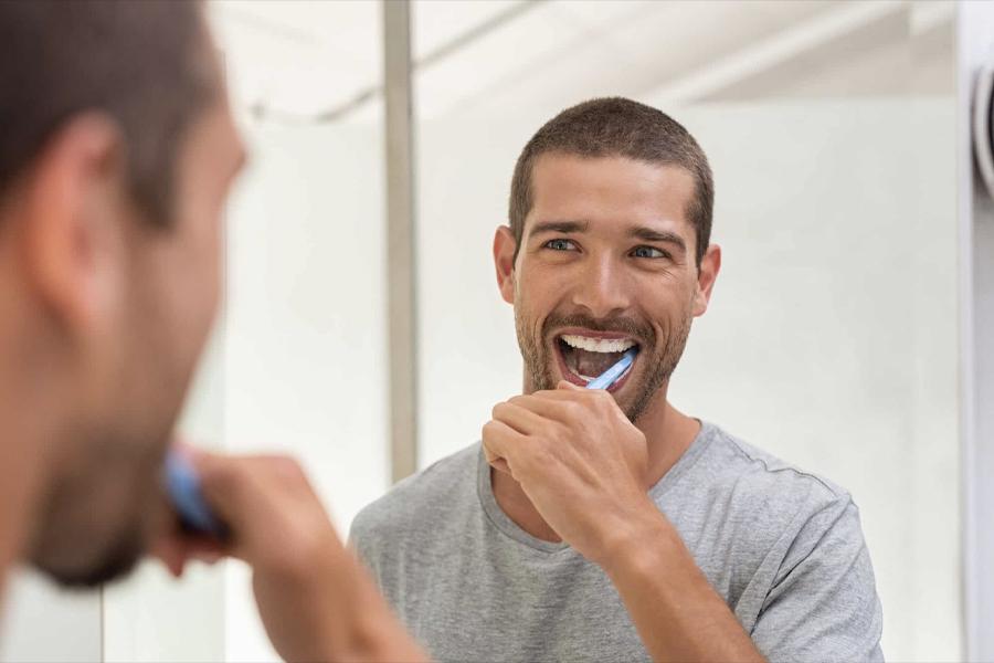 Whiten Teeth at Home 4