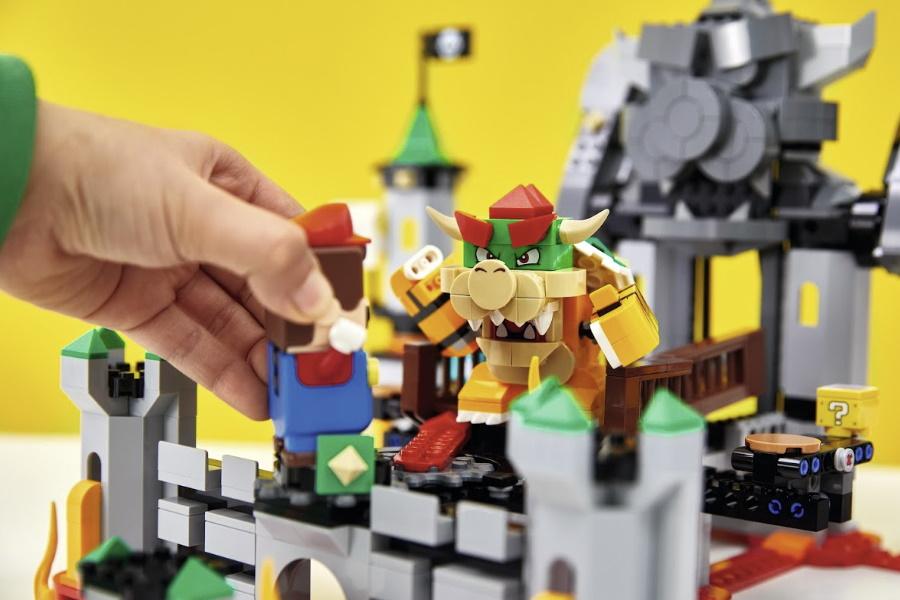 LEGO super mario bowsers castle