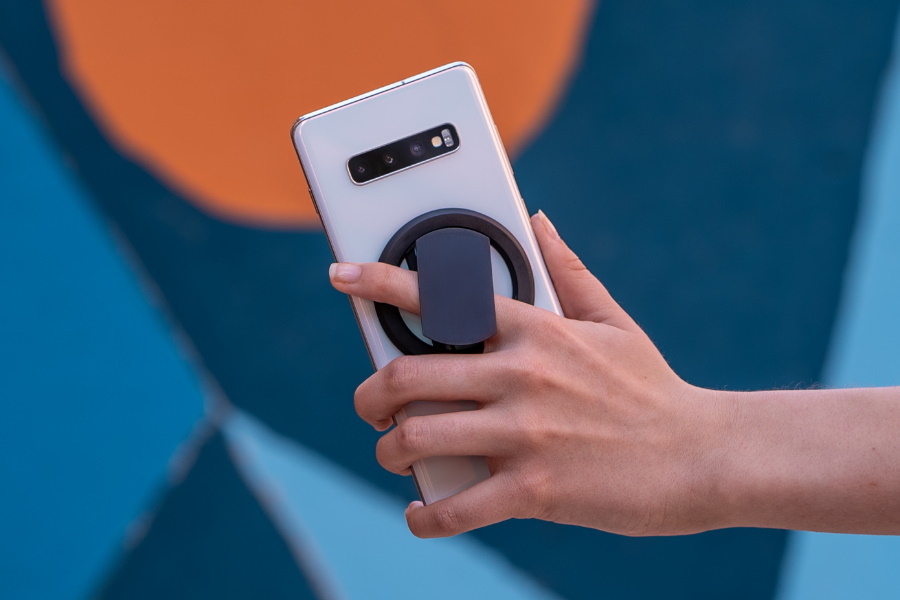 Meet Ohsnap: The Thinnest, Strongest & Most Durable Phone Grip Available
