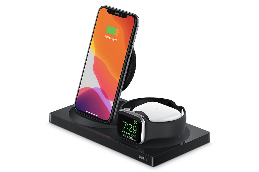 2 Belkin BOOSTCHARGE 3-in-1 Wireless Charger