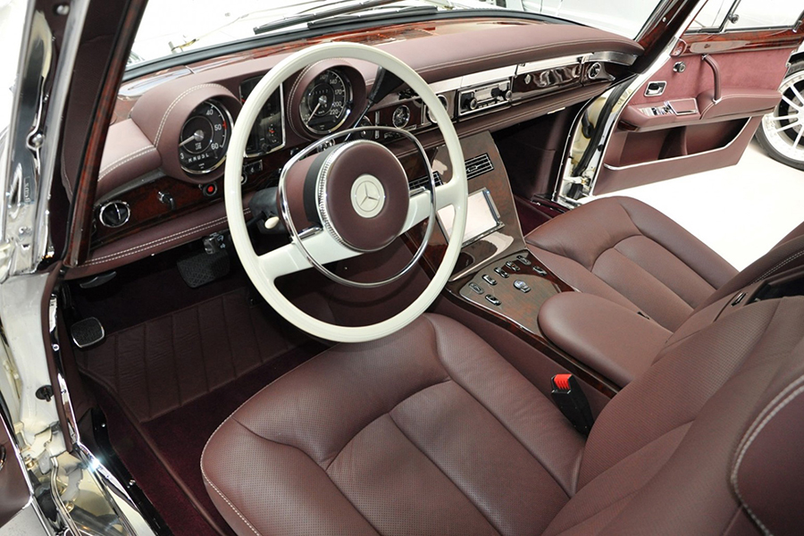 1975 Mercedes-Benz 600 Pullman Maybach Restomod steering wheel and dashboard