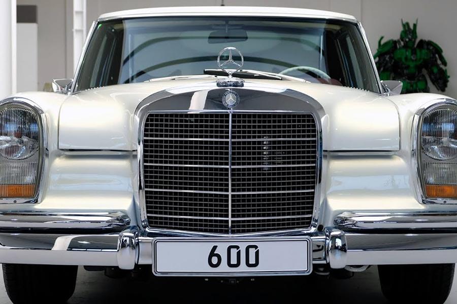 1975 Mercedes-Benz 600 Pullman Maybach Restomod front headlight