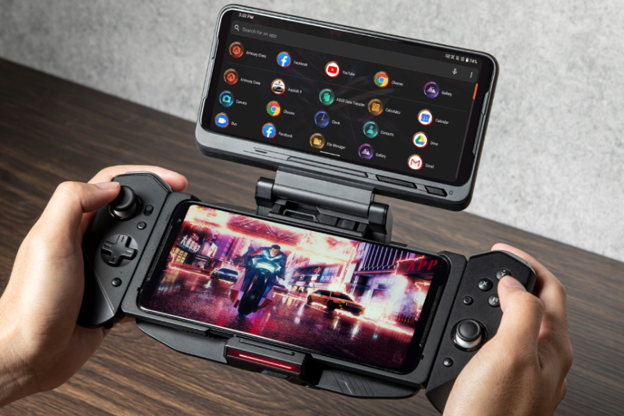 A pair of hands holdingASUS ROG 3 Gaming Phone