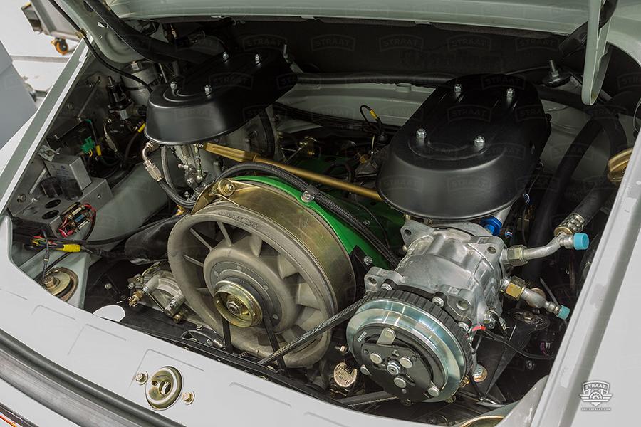 Custom Porsche 911 from Straat engine