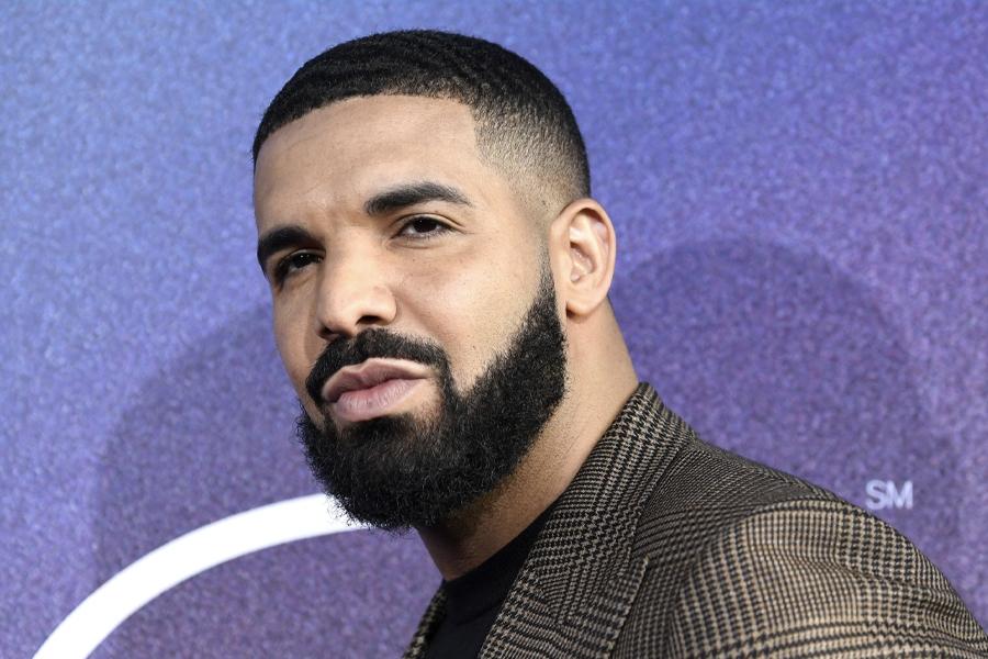 Drake Tupac Necklaces 2