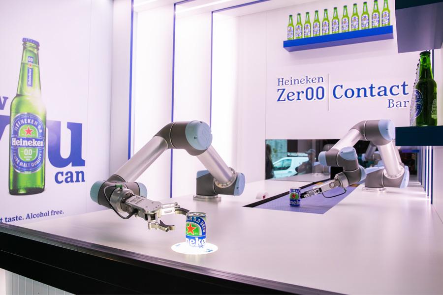 Robots atHeineken® Zer0.0 Contact Bar