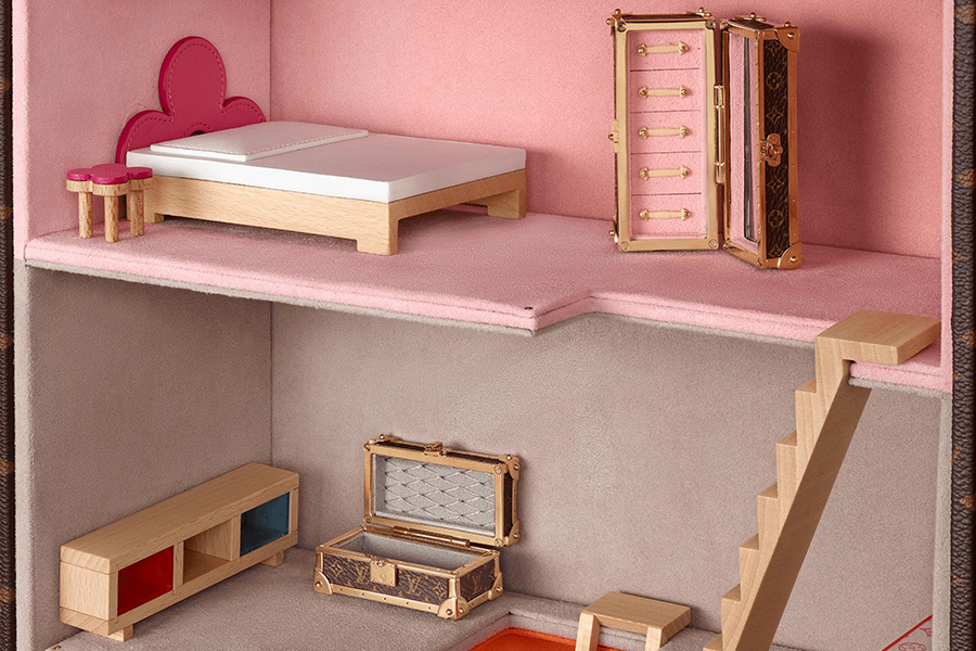 LV Doll's House Maison Vivienne bedroom view