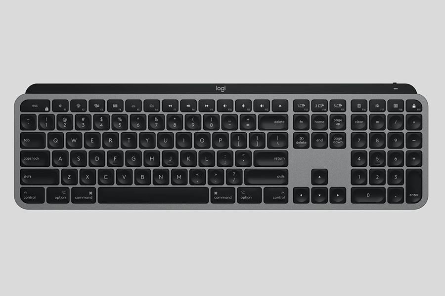 Logitech MX Master 3 and MX Keys for Mac top view sa keyboard