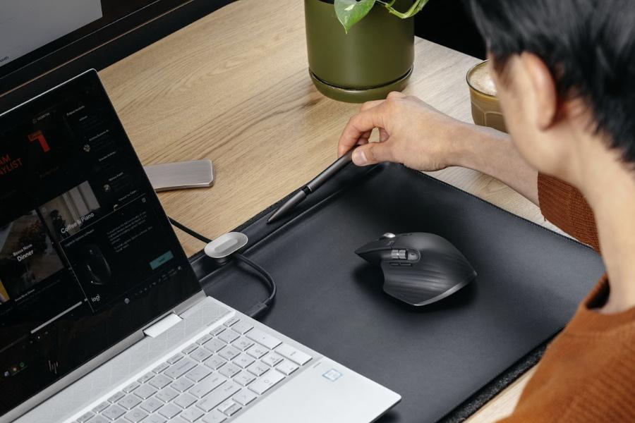 Orbitkey Desk Mat in action