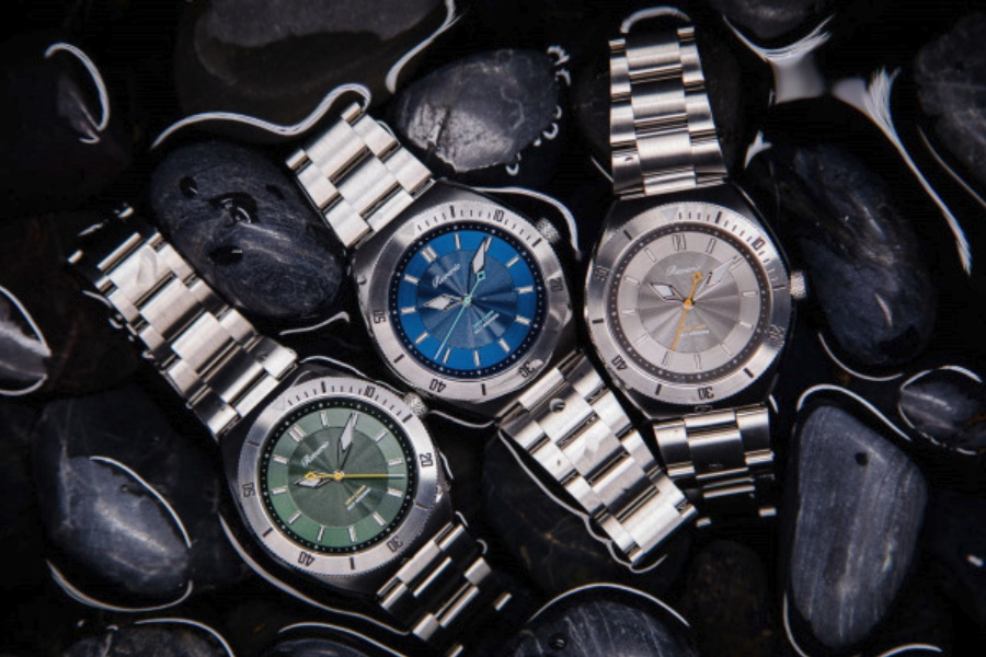 reverie divers watch range