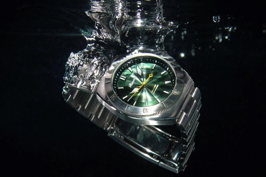 stainless steel divers watch