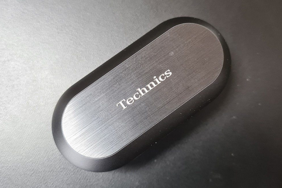 Technics release EAH-AZ70W true wireless earphones case