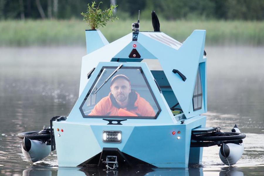 Z-Triton House-Boat-Trike front