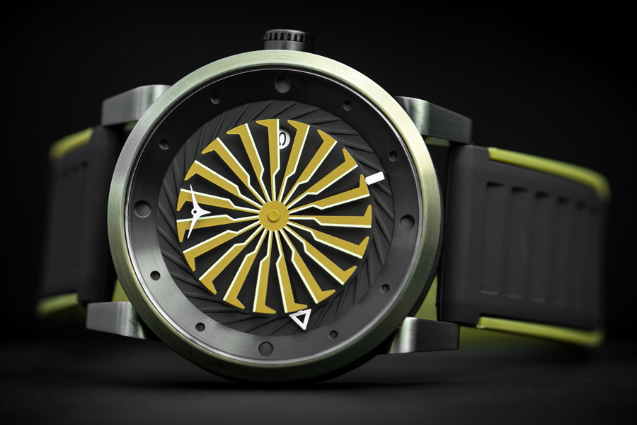 Zinvo's Blade Titan is the Brand's Craziest Model to Date (and That's Saying a Lot)