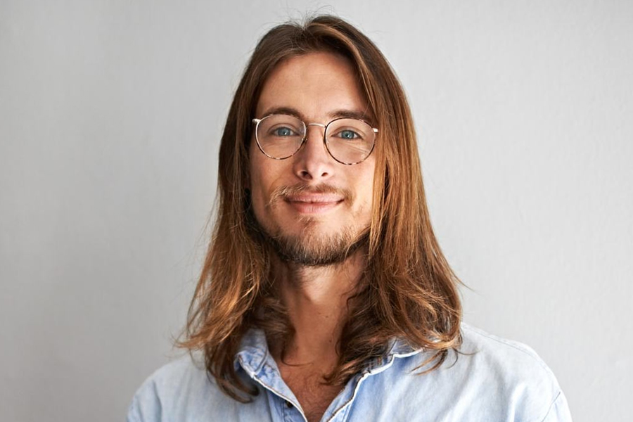 best men's haircuts - long and straight