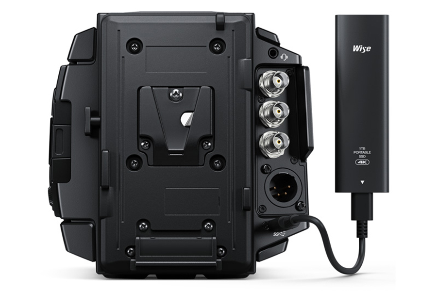 Black Magic Ursa Mini Pro charger
