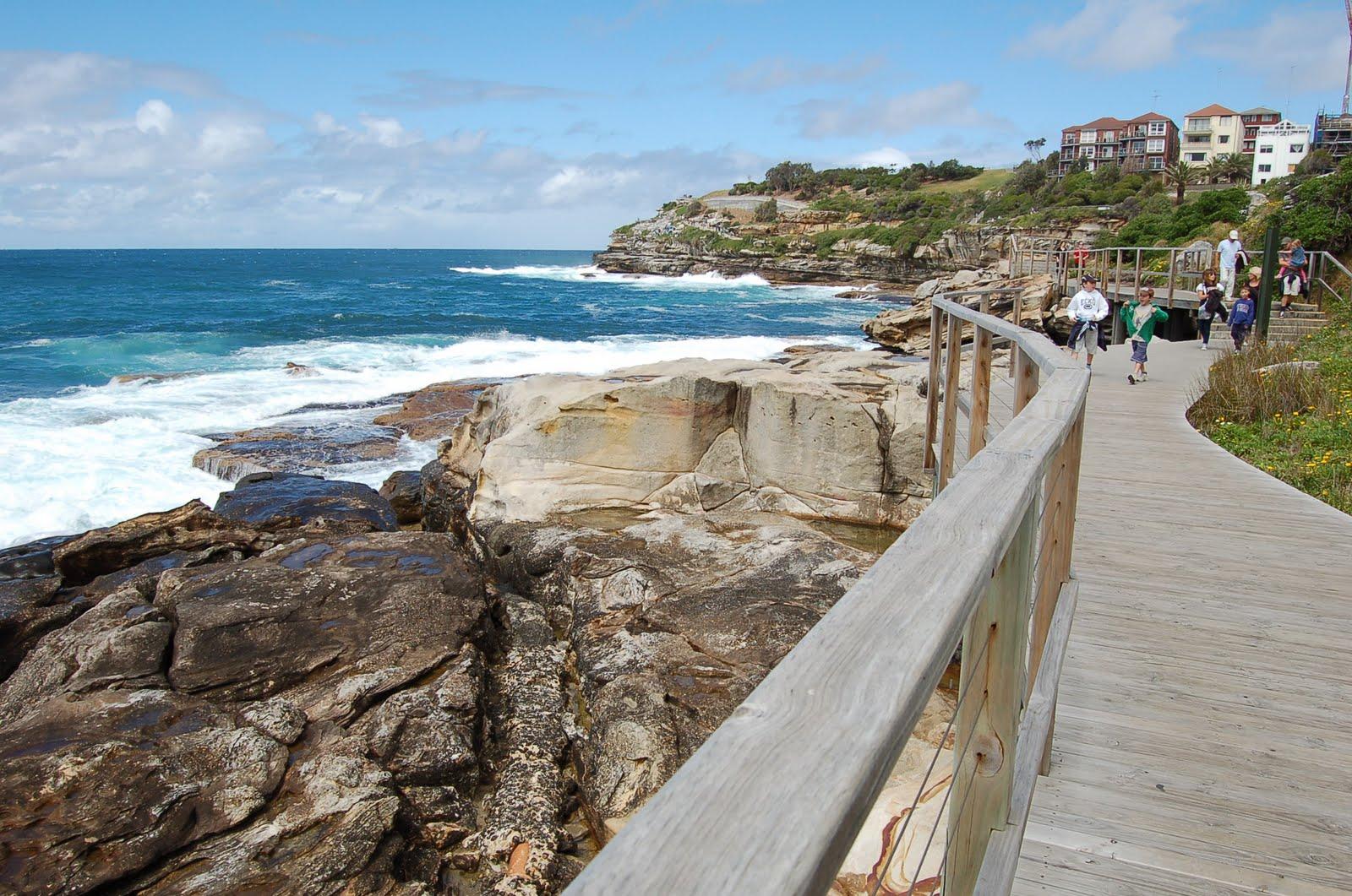 Bondi to bronte walk boardwalk