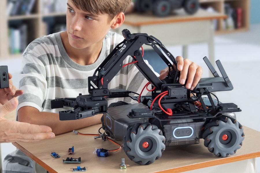 DJI Robomaster educational robot