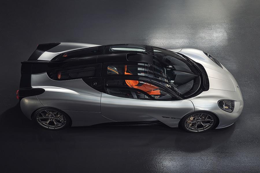 Designer of the McLaren F1 debuts the T.50 top view