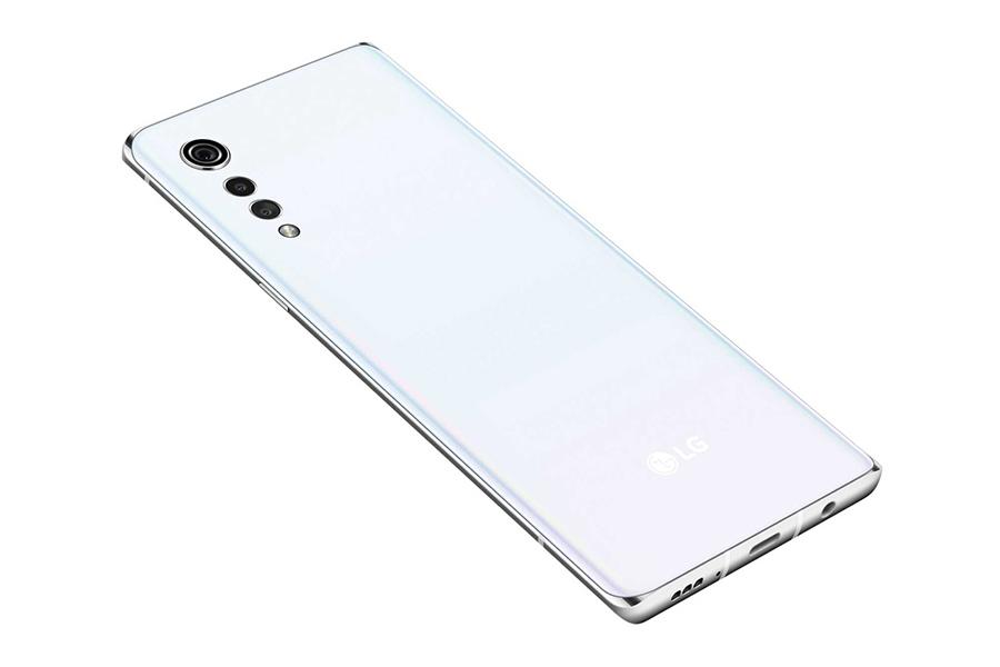 LG Velvet smartphone camera