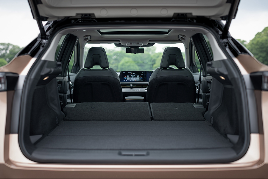 Nissan Aryia back compartment