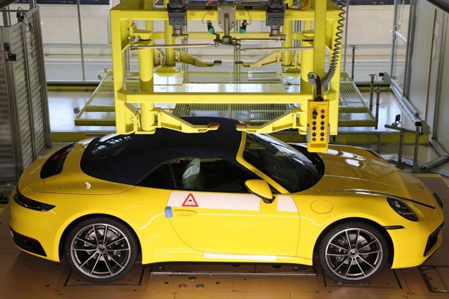 Porsche Track Your Dream