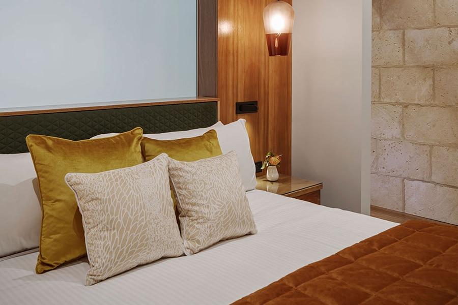 Sequoia Luxury Lodge bedroom