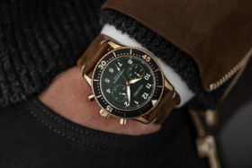 Vincero Outrider watch on wrist of a hand in pocket