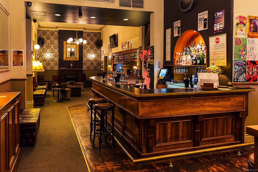 The Hotel Metropolitan Pubs in Adelaide