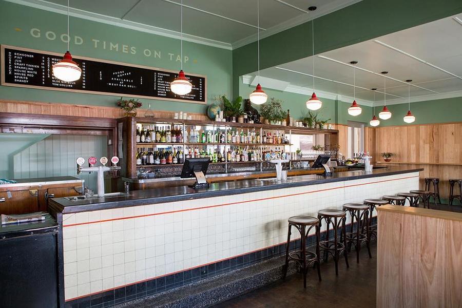 West Oak Hotel Pubs in Adelaide