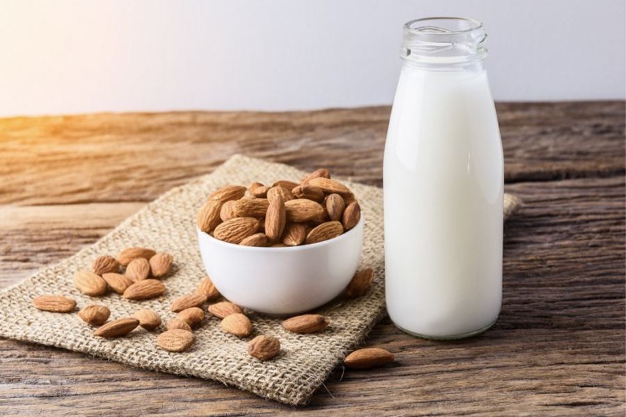Best Keto Drinks - almond milk