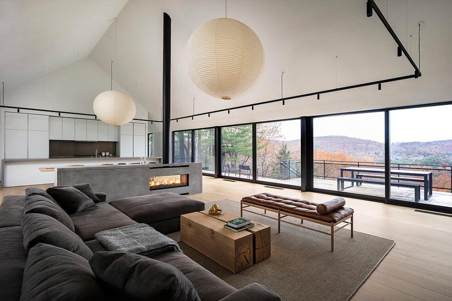 Desaichia Ledge House lounge with window glass